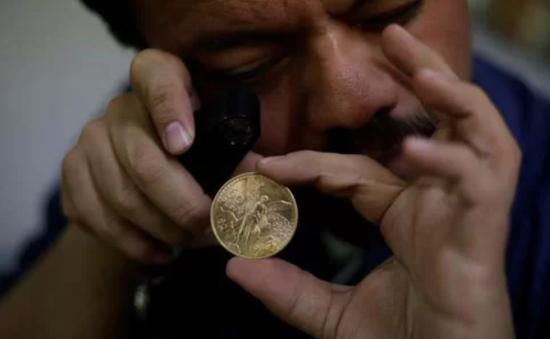Táo tợn cướp tiền vàng trị giá hơn 2 triệu USD giữa ban ngày ở Mexico