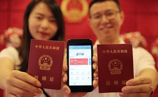 Trung Quốc cho phép đăng kí kết hôn online qua… ứng dụng Alipay