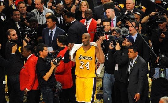 """""""Mùa giải cuối cùng"""" trái  ngược với các ngôi sao NBA"""