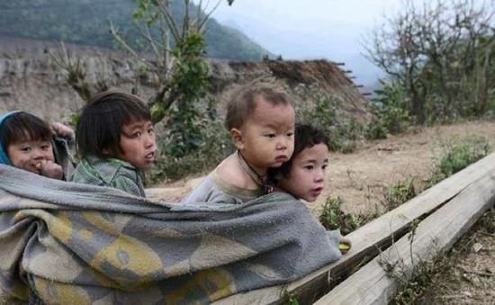 """Phát động dự án gây quỹ """"Áo ấm đến trường"""" cho trẻ em nghèo"""