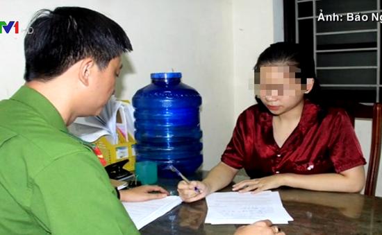 """Khởi tố """"tú bà"""" 18 tuổi điều hành đường dây mại dâm tại Nghệ An"""