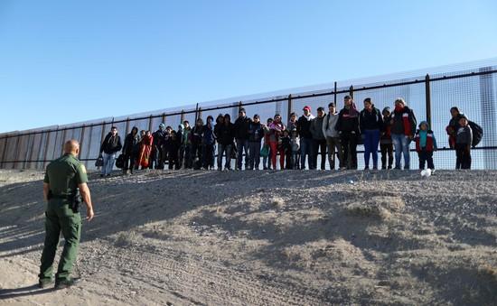 Tòa án cấp liên bang Mỹ chặn kế hoạch hạn chế người tị nạn của Tổng thống Trump