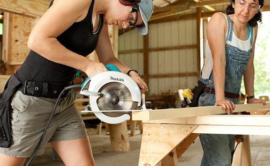 Nga cấm 456 nghề quá nguy hiểm đối với phụ nữ