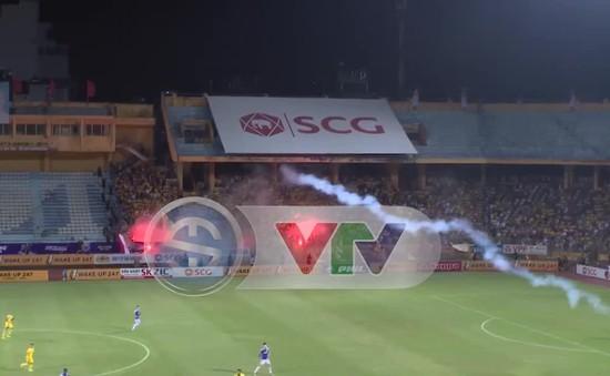 VFF: Cần nghiêm trị về mặt pháp luật đối với hành vi đốt pháo sáng trong sân vận động
