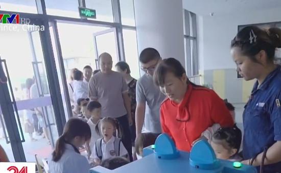 Trung Quốc lắp máy kiểm tra sức khỏe tự động ở trường mẫu giáo