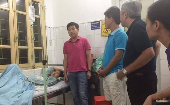 CLB Nam Định tới thăm nữ CĐV trúng pháo sáng, cam kết phối hợp tìm ra kẻ quá khích