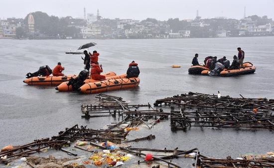 Lật thuyền trong lễ hội ở Ấn Độ, ít nhất 12 người thiệt mạng