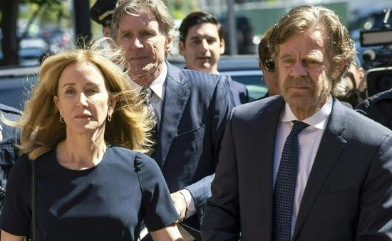 Nữ diễn viên nổi tiếng của Mỹ đi tù vì hối lộ cho con vào đại học