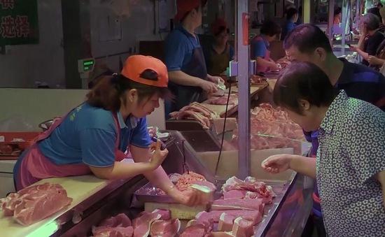 Người tiêu dùng Trung Quốc gặp khó vì thịt lợn tăng giá mạnh