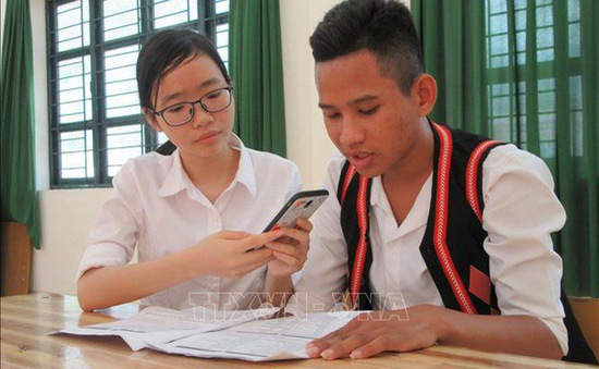 Học sinh miền núi Ninh Thuận sáng chế phần mềm học tiếng Raglai trên điện thoại