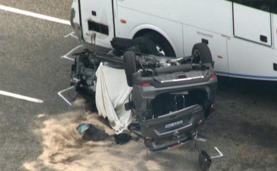 Australia: Xe hơi tông xe khách, nhiều người thương vong