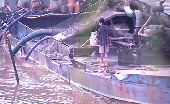 Lại cho phép khai thác cát tại đầu nguồn sông Đồng Nai