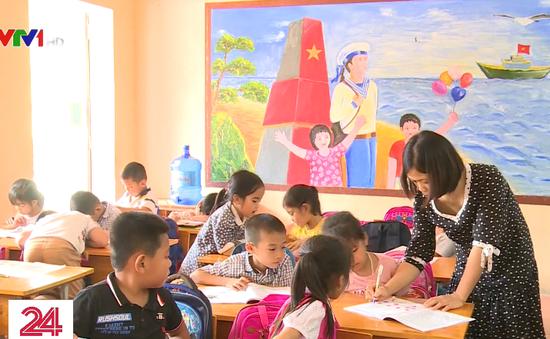 Hà Nội: Thiếu giáo viên do cắt hợp đồng trước thềm năm học mới
