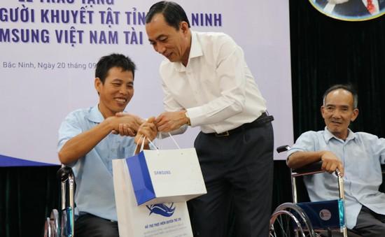 Trao tặng 220 xe lăn cho người khuyết tật tỉnh Bắc Ninh năm 2019