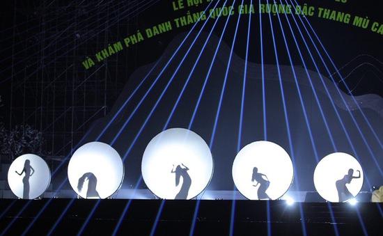 """Mãn nhãn với màn múa bóng """"Tắm trăng"""" độc đáo"""