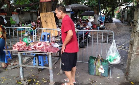 65% chợ nội thành Hà Nội đang hoạt động không phép
