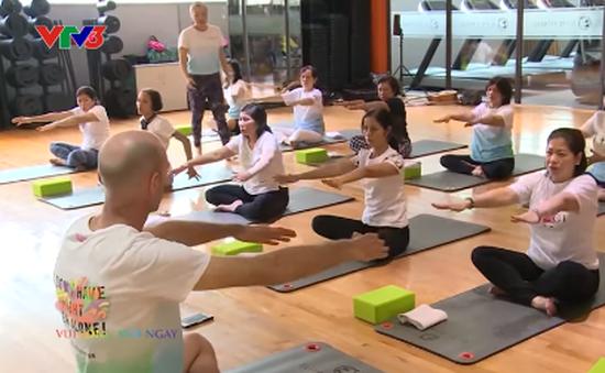 Lớp yoga trị liệu miễn phí cho bệnh nhân ung thư