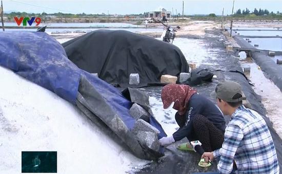 Rủi ro trữ muối trong mùa mưa lũ