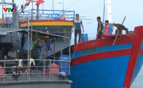 Nghệ An cứu thành công tàu cá và 7 ngư dân gặp nạn