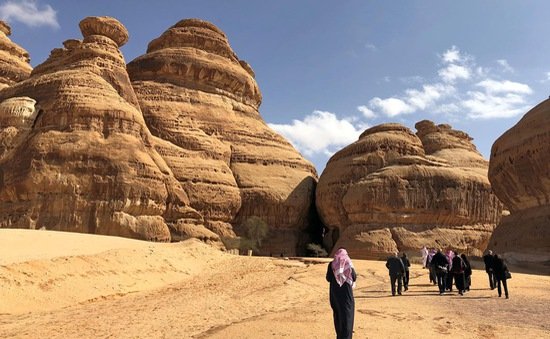 Arab Saudi lần đầu tiên mở cửa đón khách du lịch ngoại quốc