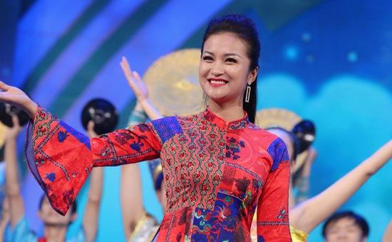 Quán quân Sao mai 2017 Tố Hoa tỏa sáng tại Liên hoan phim và truyền hình Trung Quốc - ASEAN