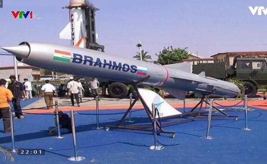 Ấn Độ thử thành công tên lửa siêu thanh BrahMos