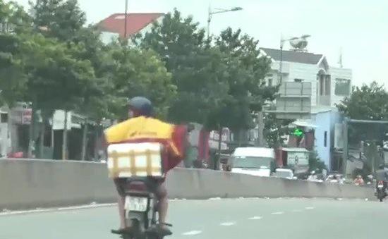 Tràn lan vi phạm làn đường tại TP.HCM