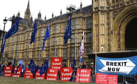 """Brexit """"cứng"""" hay """"mềm"""" - Kịch bản nào cho cuộc chia tay Anh - EU?"""