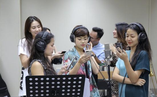 VTV Awards 2019: Dàn MC VTV khoe giọng hát trong MV Rung chuông vàng