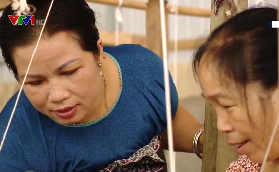 Nghệ nhân Vì Thị Thuận - Tấm gương điển hình trong việc học tập và làm theo Bác