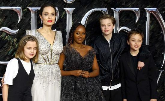 Angelina Jolie cùng các con tới Ethiopia đón năm mới