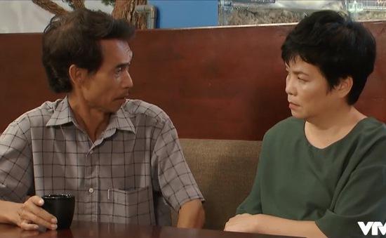 """Khán giả phát hiện """"hạt sạn"""" hài hước trong tập cuối Hoa hồng trên ngực trái"""