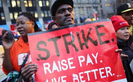 Nghiên cứu mới: Tăng lương tối thiểu 1 USD cứu được hàng nghìn người tự tử
