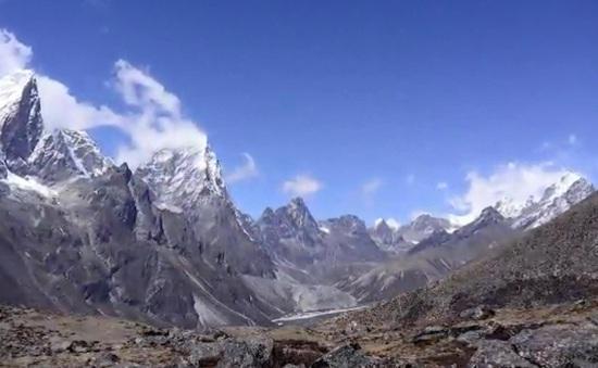 Thêm nhiều thực vật mọc trên đỉnh Everest
