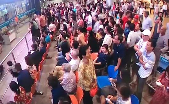 Cận Tết Nguyên đán, áp lực đổ dồn về sân bay Tân Sơn Nhất