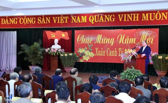 Thủ tướng Nguyễn Xuân Phúc gặp nguyên cán bộ cao cấp miền Trung