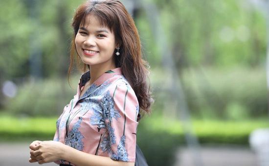 """BTV Nguyễn Ngân: """"Về với gia đình, tôi cho phép mình yếu đuối"""""""