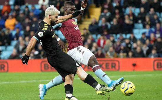 """""""Chơi tennis"""" với Aston Villa, Man City giành vị trí nhì bảng"""