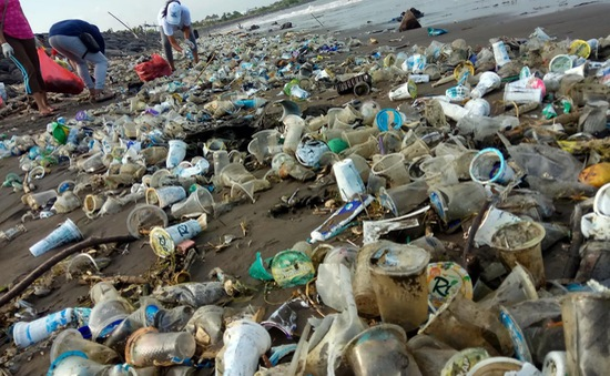 Nhiều người dân Thái Lan kêu gọi chung tay chống rác thải nhựa