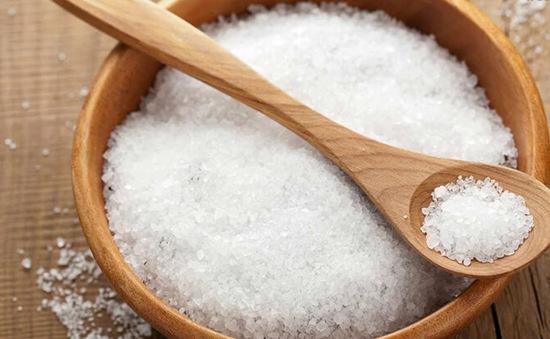 Ăn thừa muối và những ảnh hưởng đối với sức khỏe