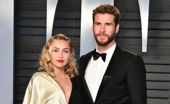 Miley Cyrus và Liam Hemsworth: Đã ly hôn nhưng chưa độc thân