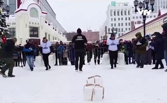 Thú vị cuộc thi người đàn ông khỏe nhất mùa Đông tại Nga