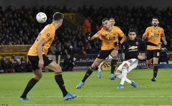 Man Utd vừa tái hiện thành tích thảm bị lãng quên 5 năm qua