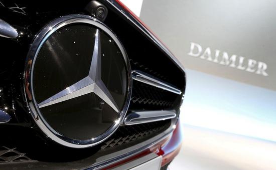 Daimler thu hồi hàng trăm nghìn xe Mercedes-Benz tại Mỹ do lỗi cửa mái