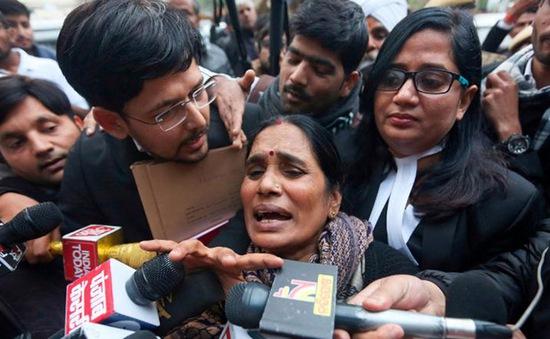 Ấn Độ sắp treo cổ 4 kẻ cưỡng hiếp nữ sinh