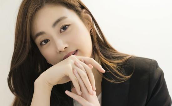 Kang Sora học cách yêu bản thân ở độ tuổi 30