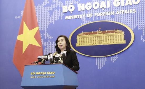 8 ngư dân Việt trên tàu cá bị tàu hải cảnh Trung Quốc đâm chìm đã được tiếp nhận an toàn