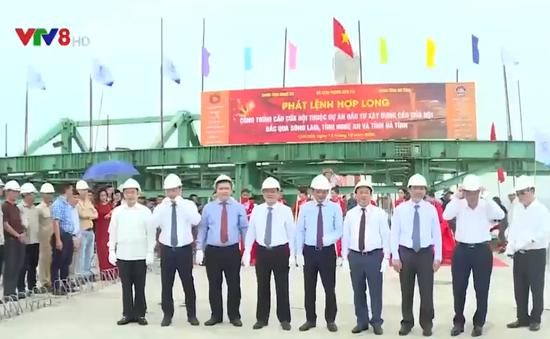 Lễ hợp long cầu Cửa Hội nối 2 tỉnh Nghệ An và Hà Tĩnh