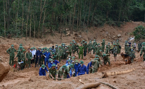 Truy tặng Huân chương Dũng cảm cho ông Nguyễn Văn Bình và ông Phạm Văn Hướng
