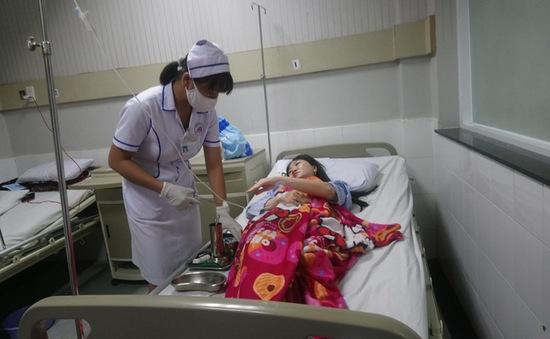 10 người nhập viện nghi ngộ độc do ăn cá hồng